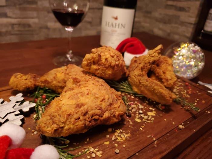 チキンとワインとクリスマス!相性抜群のロゼスパークリング、白ワイン、赤ワインをソムリエがご提案!